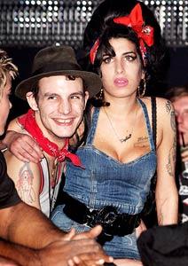 Amy Winehouse e Fielder-Civil ficaram juntos pouco mais de um ano
