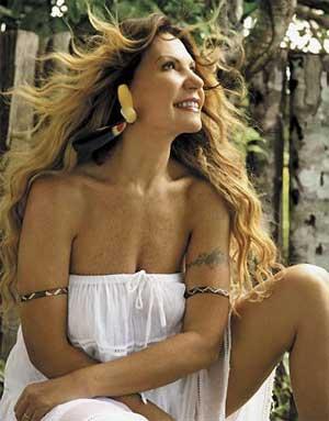 Elba Ramalho comemora 30 anos de carreira