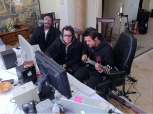 Charlie Sheen prepara parceria com Snoop Dogg