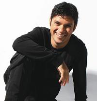 Cantor contou como foi o início da carreira e os projetos para 2011.
