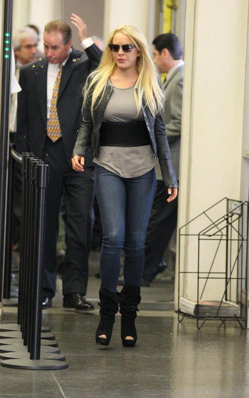 Lindsay Lohan enfrenta problemas há anos com a justiça e drogas