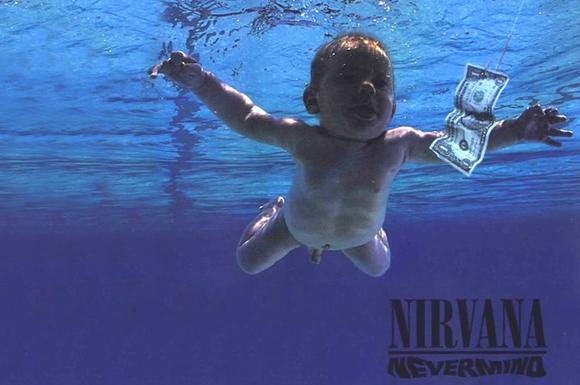 Imagem que mostra um bebê nu foi retirada da rede social.