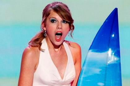 Country: Taylor Swift é homenageada como artista do ano