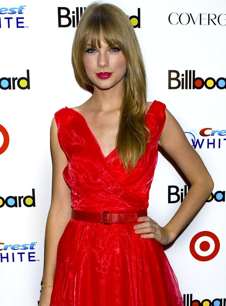 Cantora country foi eleita a'mulher do ano' pela revista Billboard
