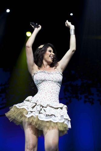 Em 2011 Paula Fernandes superou a venda de mais de um milhão de cópias