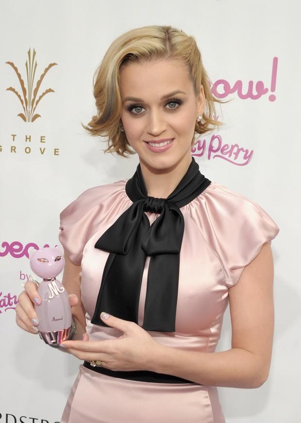 Depois de 'Purr', cantora lançou fragrância 'Meow'