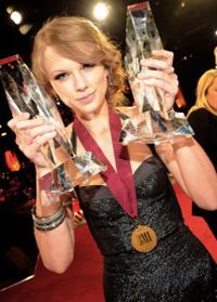 Taylor faturou US$ 37,7 milhões