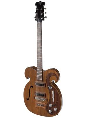 Guitarra de Lennon e Harrison (Foto: REUTERS/Julien's Auction/Handout)
