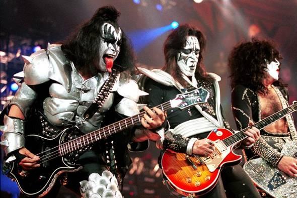 Ace Frehley e Peter Criss se recusam a participar de filme do Kiss