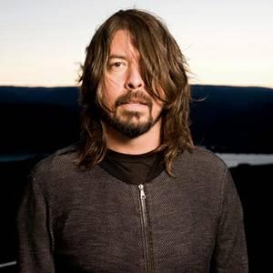 """Dave Grohl define novo álbum do Foo Fighters como """"f*da"""""""