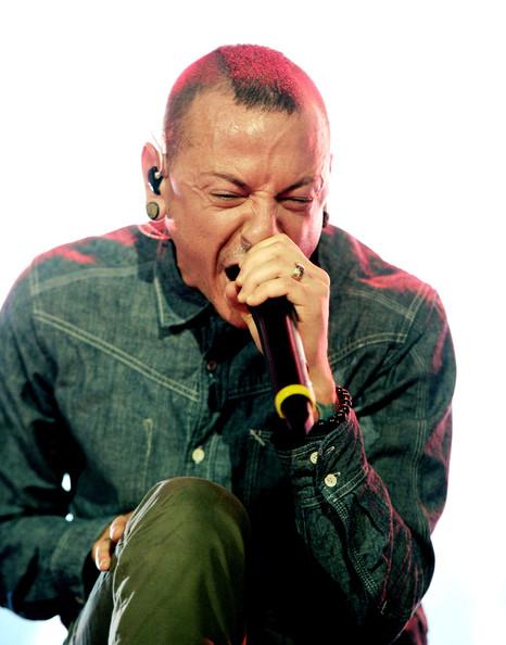 "Assista videoclipe ao vivo de Stone Temple Pilots para ""Black Heart"""