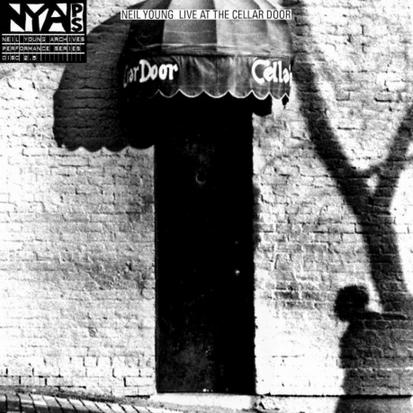 """Ouça """"Live At The Cellar Door"""", novo álbum ao vivo de Neil Young"""