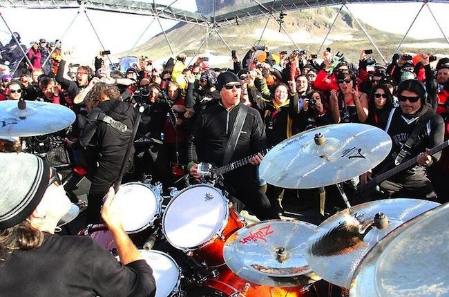 Metallica bate recorde por ser a única banda a tocar em todos os continentes em um ano