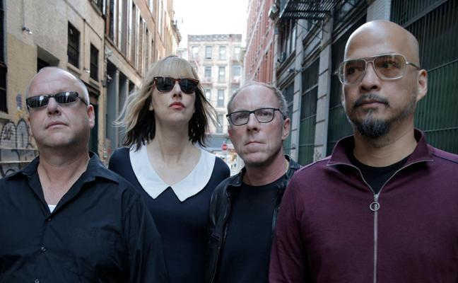 Pixies: baixista foi desligada da banda por telefone (Foto: Divulgação)