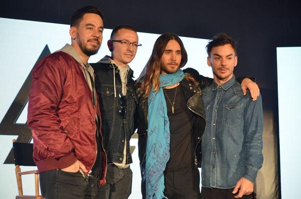 Foto da coletiva de imprensa com membros das três bandas (Getty Images)