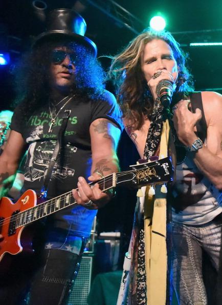 Slash e Steven Tyler durante a apresentação (Getty Images)