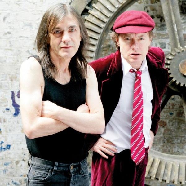 """AC/DC: biográfico descreve Malcolm Young como """"impiedoso"""" e """"arrogante"""""""