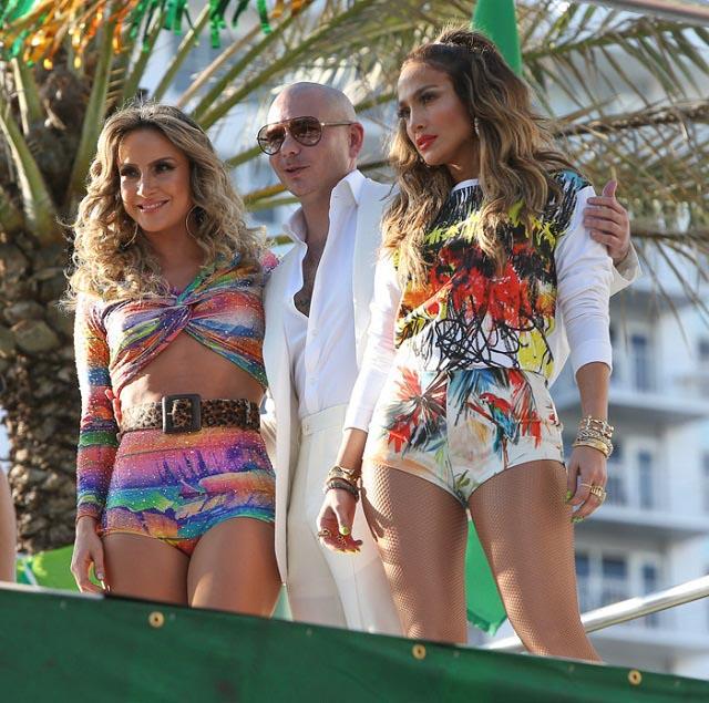 Claudia Leitte, Pitbull e Jennifer Lopez durante gravações do clipe (Reprodução)