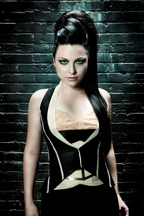 Cantora vai lançar disco solo no final deste mês (Divulgação)