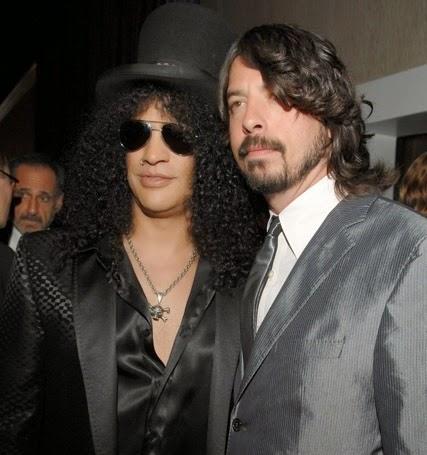 Slash (esq.) é um dos convidados para novo disco do Foo Fighters (Getty Images)
