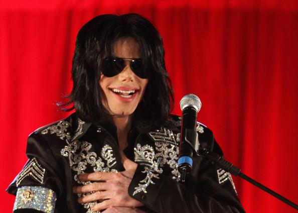 Herdeiros do Rei do Pop faturaram US$ 140 milhões com obra dele (Getty Images)