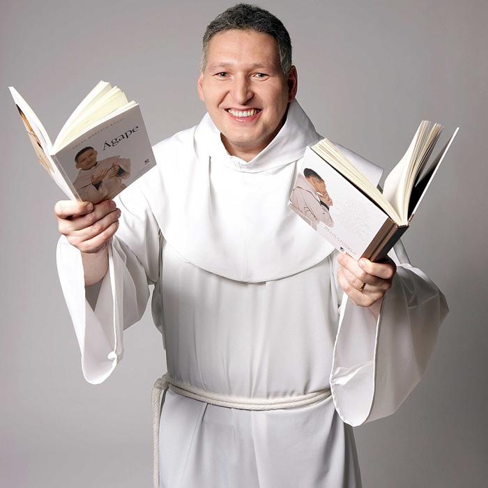 Padre Marcelo Rossi também é rock n' roll (Divulgação)
