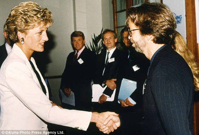 Princesa de Gales utilizava o pedaço de gelo de forma sugestiva (Getty Images)
