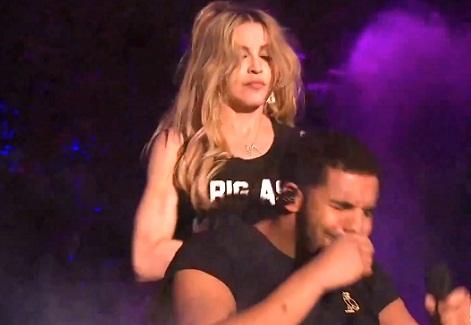 Drake tentou afastar Madonna durante momento no festival Coachella (Divulgação)