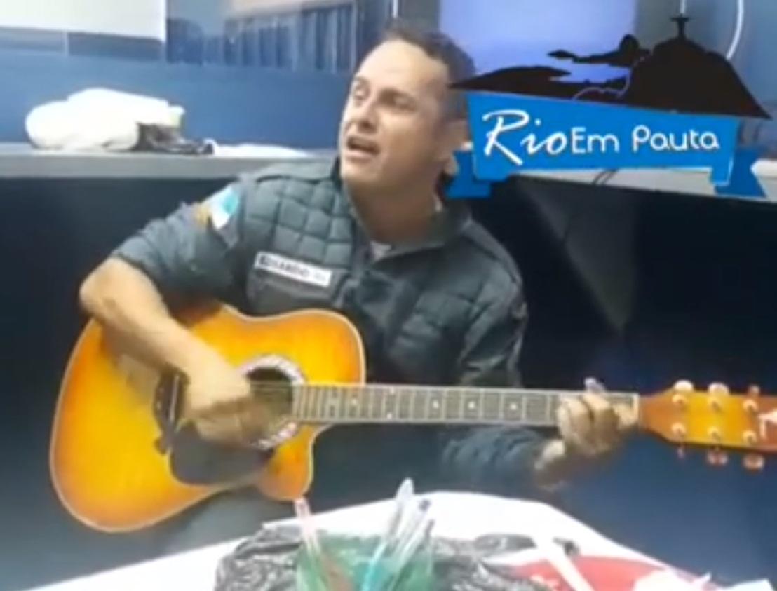 Sargento solta a voz com'Pais e Filhos', da Legião Urbana (Reprodução)
