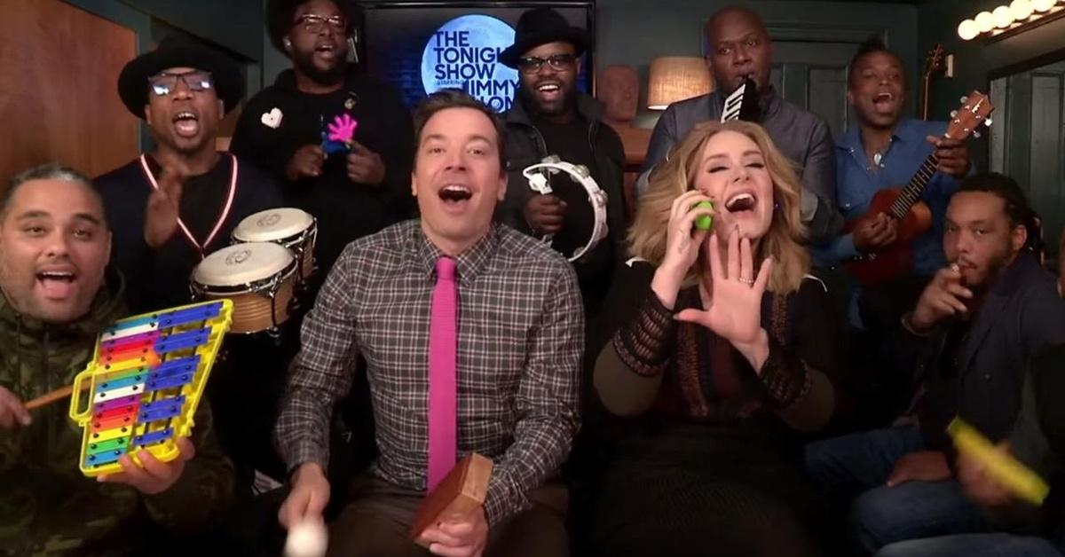 """Adele faz versão para """"Hello"""" com Jimmy Fallon e instrumentos de brinquedo"""