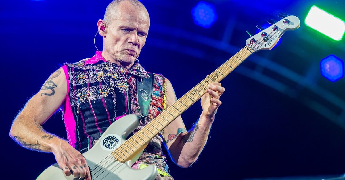 'O vício é uma doença cruel', diz Flea, do Red Hot Chili Peppers