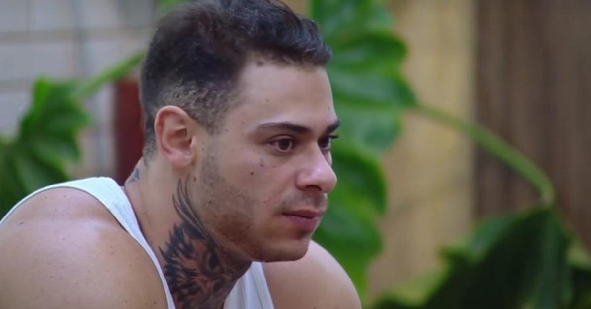 'A Fazenda 10': em primeiro dia de confinamento, Leo Stronda fala mal de Anitta