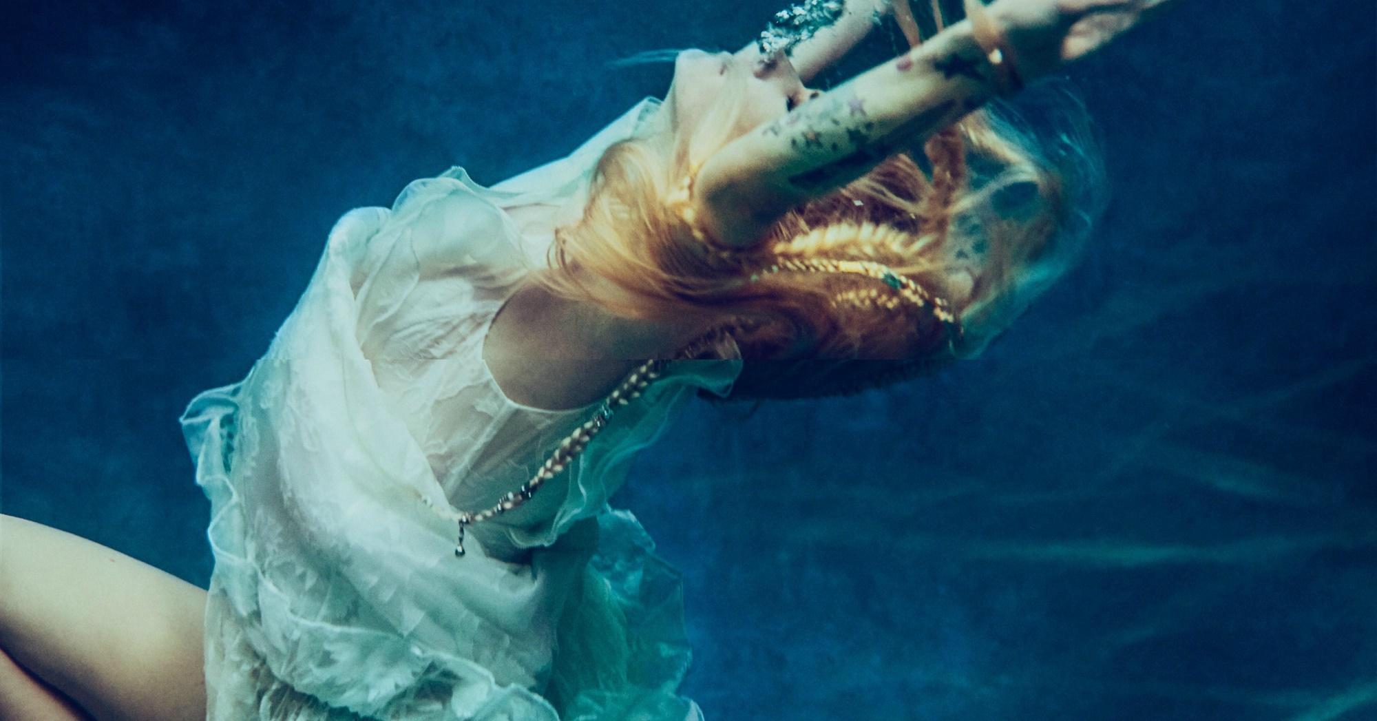 Ouça 'Head Above Water', nova música de Avril Lavigne que marca seu retorno