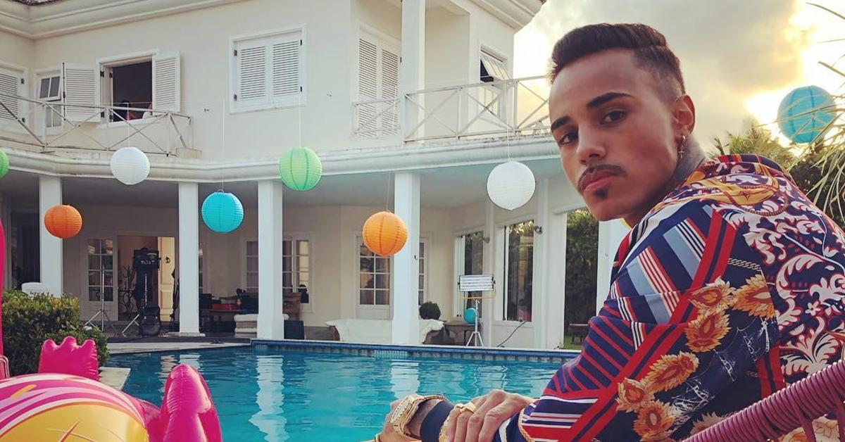MC Livinho lança clipe cheio de ostentação para 'Hoje Eu Vou Parar Na Gaiola'