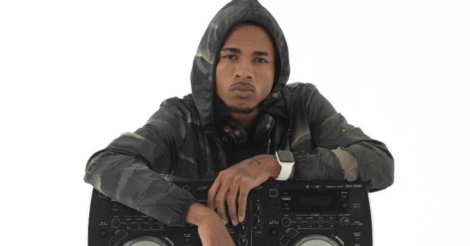 DJ Rennan da Penha se apresenta em delegacia e volta a ser preso
