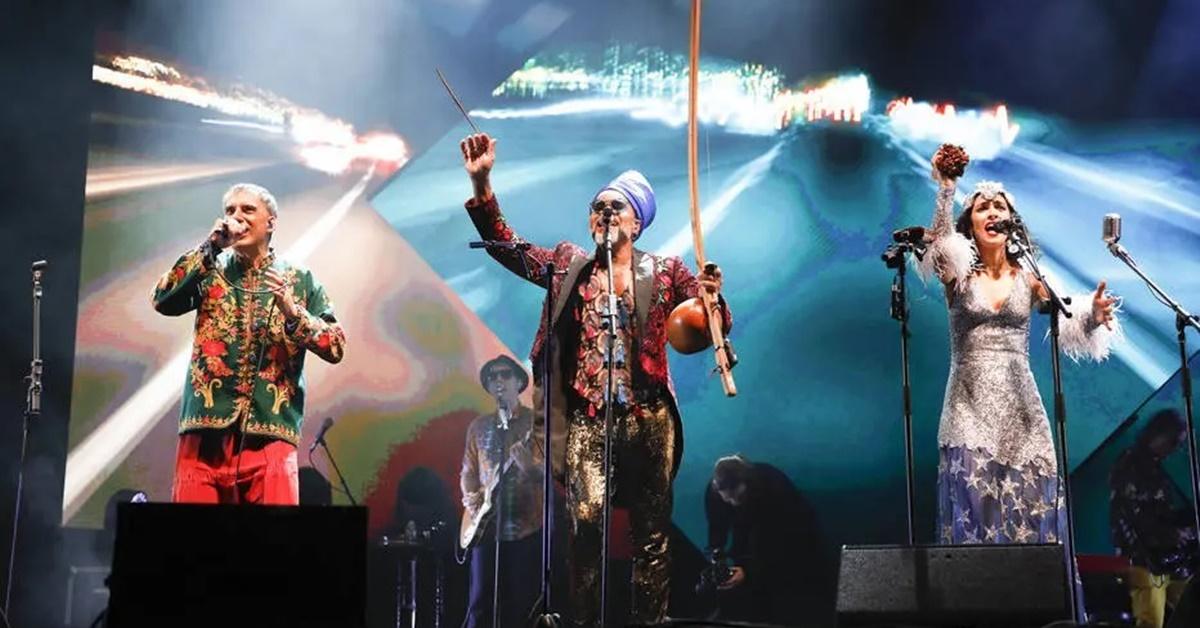 Tribalistas lançam disco ao vivo de show afetuoso realizado em SP