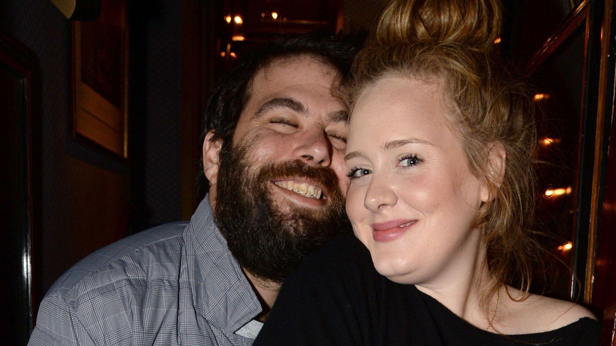 Adele se divorcia de Simon Konecki - e isso é importante para os fãs