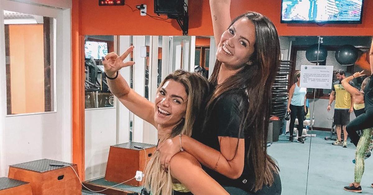 Irmãs gêmeas? Filha de Kelly Key canta música da mãe e bomba na web
