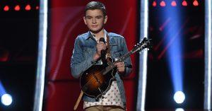 Adolescente de 14 anos impressiona no 'The Voice' americano e choca os técnicos
