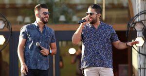 Após sucesso de 'Figurinha', Douglas e Vinícius lançam nova música: 'Vacina'