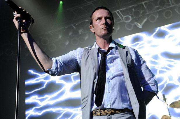 Vocalista trabalhou com Slash, Duff McKagan e Matt Sorum nos anos 2000 (Getty)