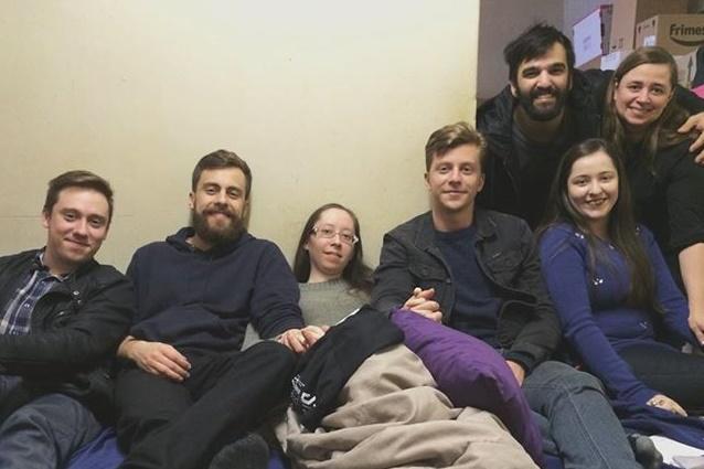 Grupo quer ajudar fã com Síndrome de Ehlers Danlos (Reprodução/Facebook)