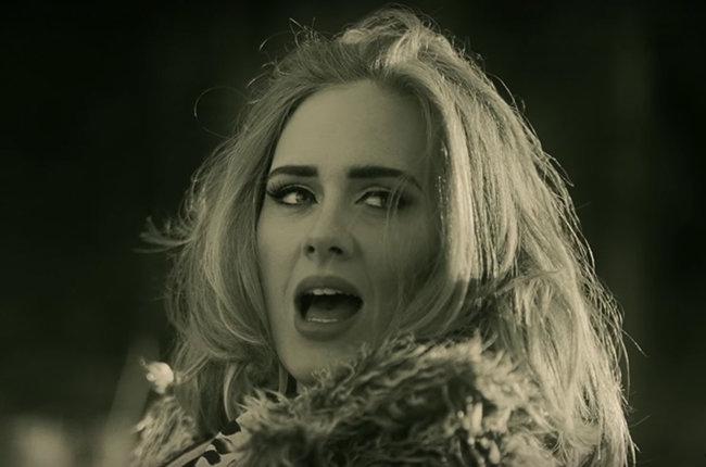 Vídeo de Adele para 'Hello' é o que mais acumula curtidas (Reprodução)