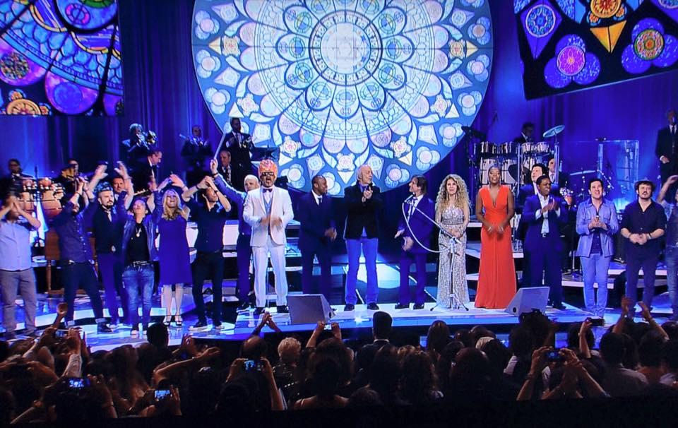 Ludmilla, Thiaguinho e outros gravam especial de fim de ano com Roberto Carlos