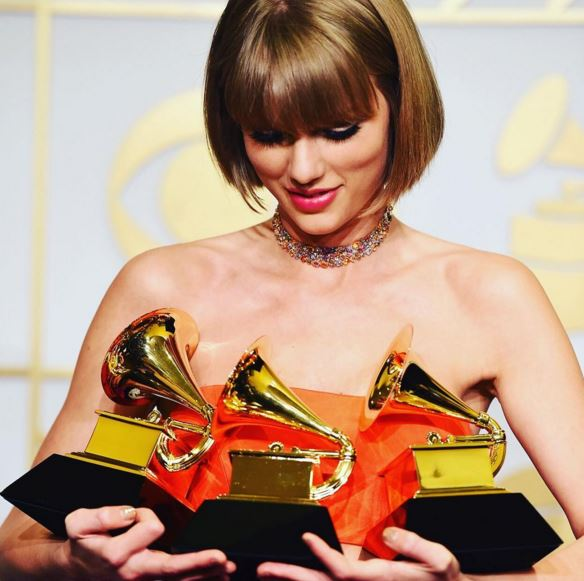 Estrela pop faturou três prêmios durante o Grammy (Reprodução/Instagram)