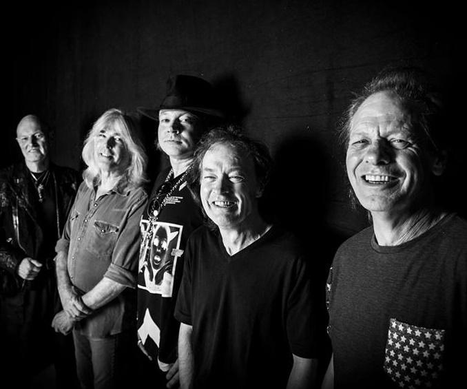 Vocalista do Guns N' Roses substituirá Brian Johnson em turnê (Divulgação)