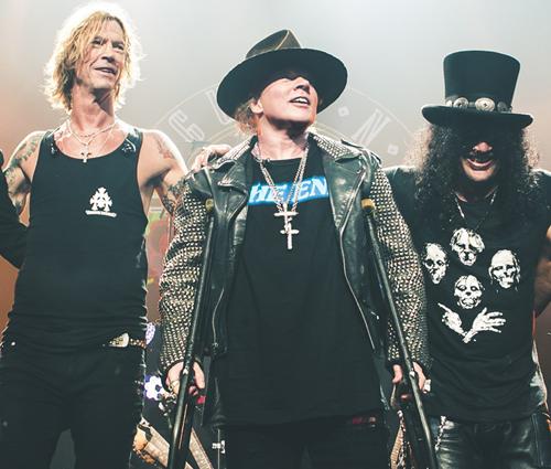 Duas mulheres conduziram a reunião do Guns N' Roses