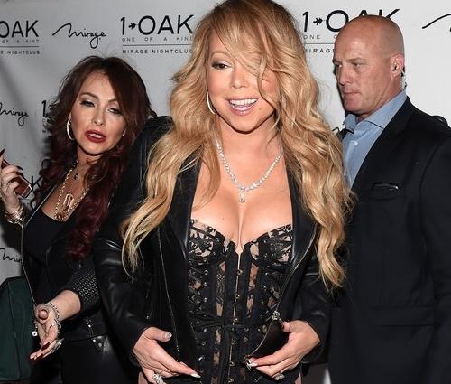 Mariah Carey vai de lingerie a boate em Las Vegas