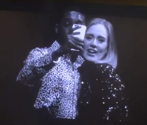 Fã ainda tirou selfie com Adele após acidente (Reprodução/YouTube)