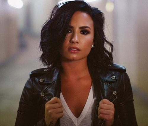 Demi Lovato publicou vídeo em que mãe tira sarro do Brasil (Reprod./Instagram)